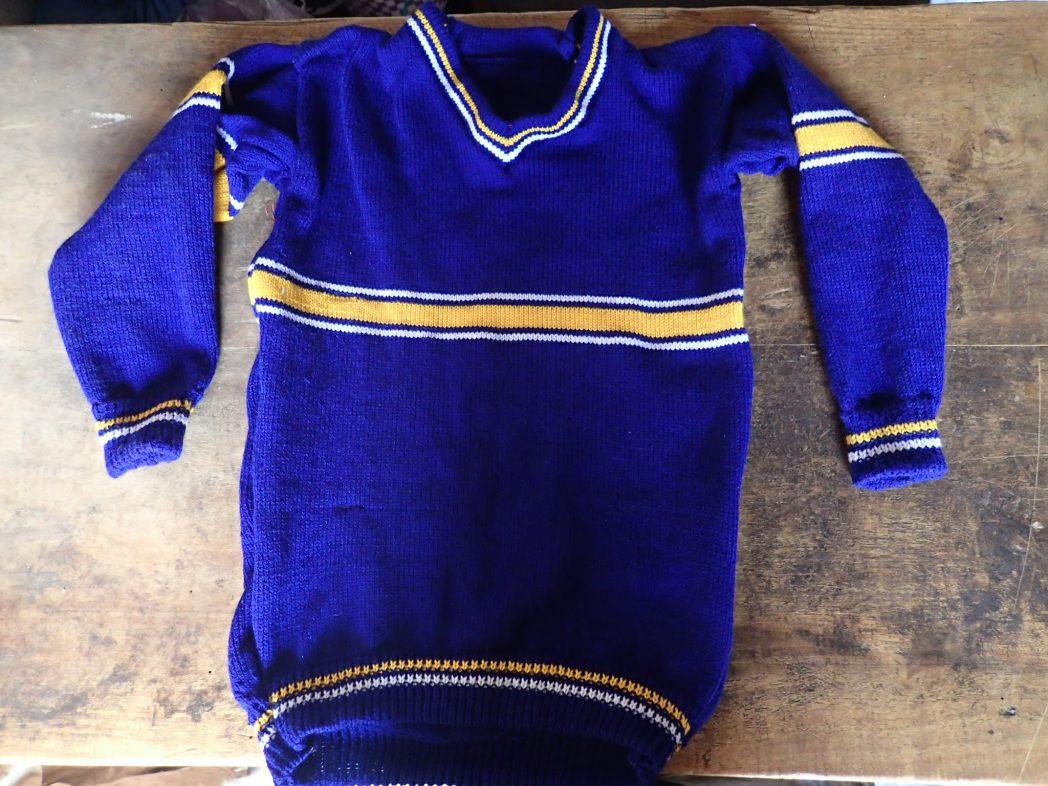 School uniform sweater knit by Kyarumba woman